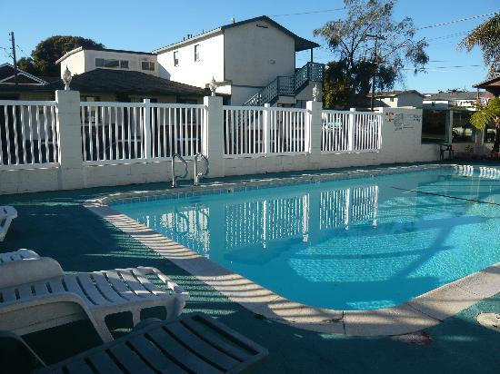 Rockview Inn and Suites - Morro Bay: Pool