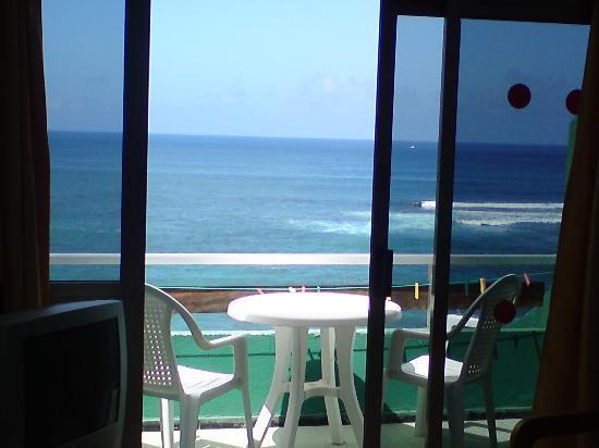Apartamentos Brisamar Canteras: Balcony from a sea view apartment