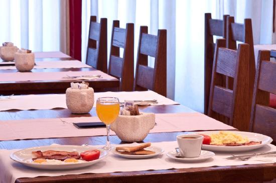 Berkeley Hotel & Day Spa: Delicious cooked breakfasts made to order