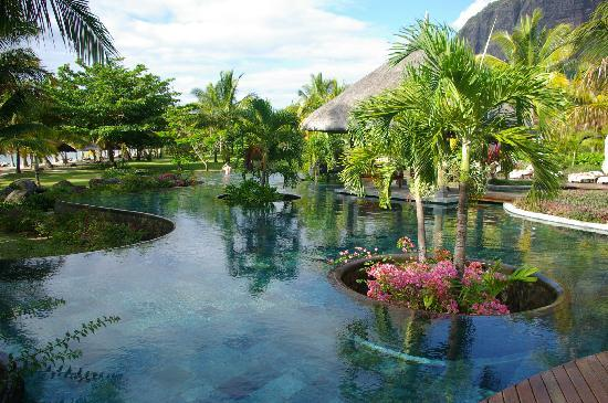 LUX* Le Morne: Piscine