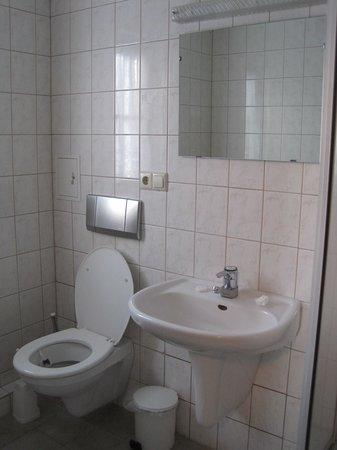 Weisser Hirsch: Badezimmer ohne Komfort