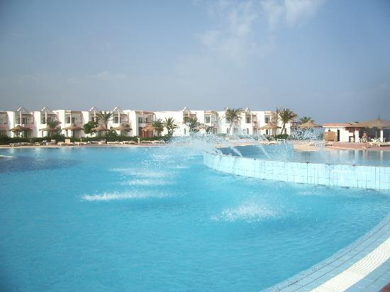 Fantazia Resort : Main pool 2