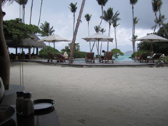 Le Taha'a Island Resort & Spa: Poolside