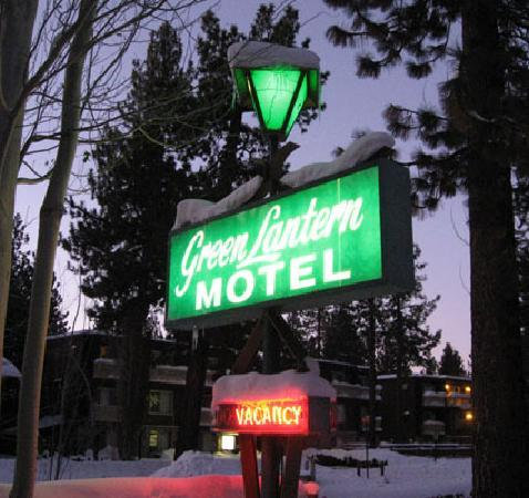 Green Lantern Inn & Suites: Green Lantern Sign