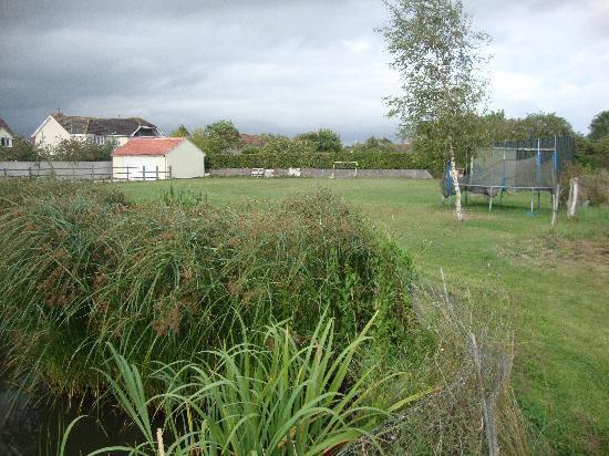 Millbatch Farm: Huge Back Garden 2