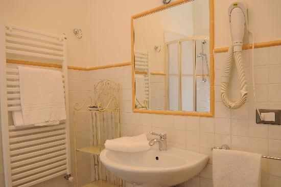 Family Apartments: Bathroom