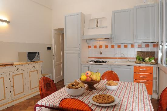 Family Apartments: Arancio Apartment - Leaving Room