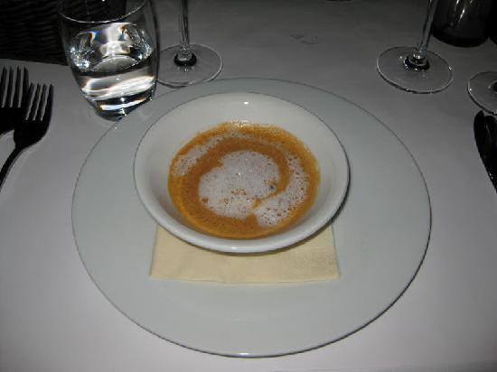 To Rom og Kjokken: Lobster soup
