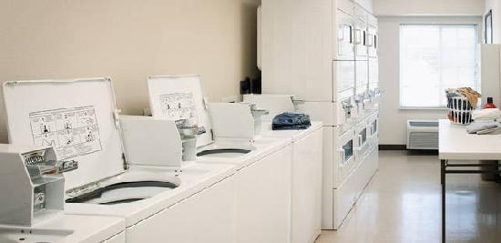 WoodSpring Suites Fort Worth Forest Hill: I even did some laundry...twice!
