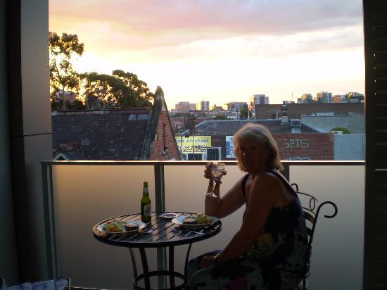 Hiigh Apartments: Romantic dinner on the balcony