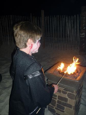 The Sandpiper Beacon Beach Resort: Smore's and great fire