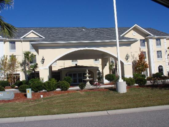 Hampton Inn Murrells Inlet/Myrtle Beach Area: outside main entrance