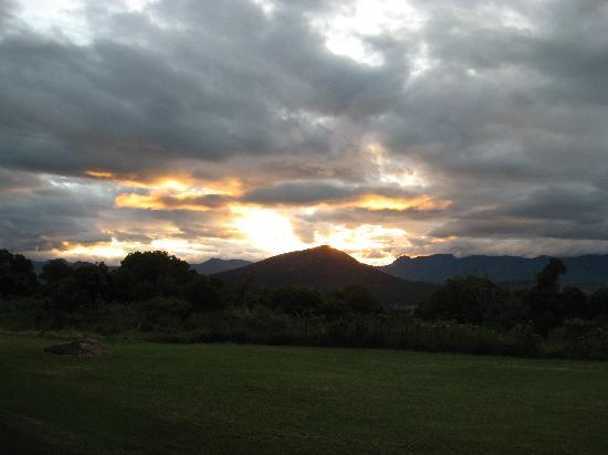 The Bunyip Scenic Rim Resort: sunset