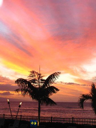 Hololani Resort: beautiful sunset