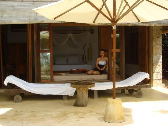 Six Senses Ninh Van Bay : It is a 5 second walk from the bedroom of the Beach Villa to the beach!