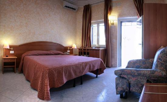 Motel Salaria: Room