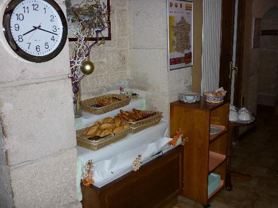 Hotel Meslay Republique : Buffet peti-déjeuner