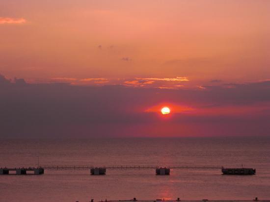 El Cid La Ceiba Beach Hotel: Amazing sunsets