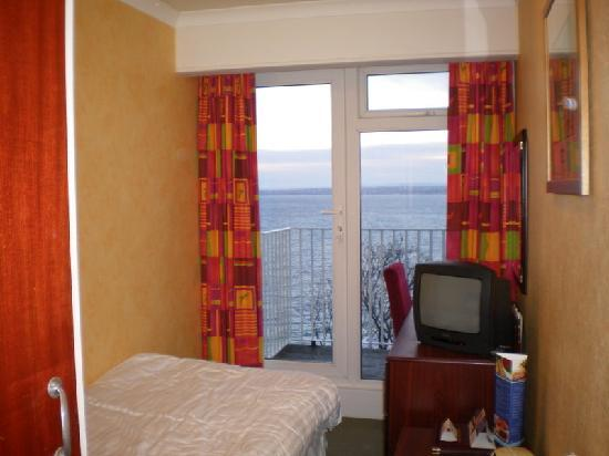 Bay St. Ives Bay Hotel : View single room