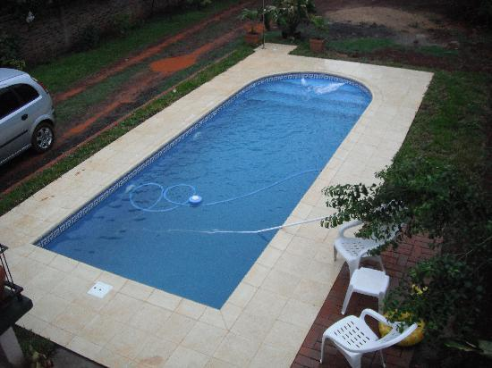 Residencial Azaleas Place: The pool is small but new