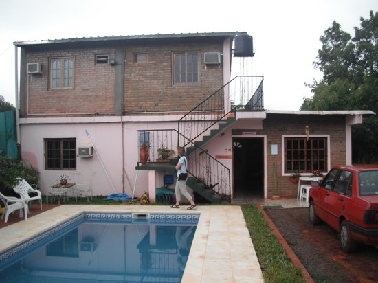 Residencial Azaleas Place: The house looks nicer inside than it does from the outside
