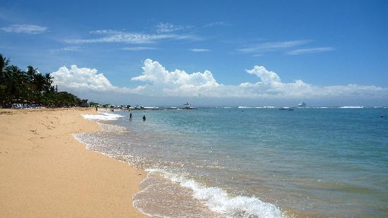 Resultado de imagen para La playa de Nusa Dua en Bali.