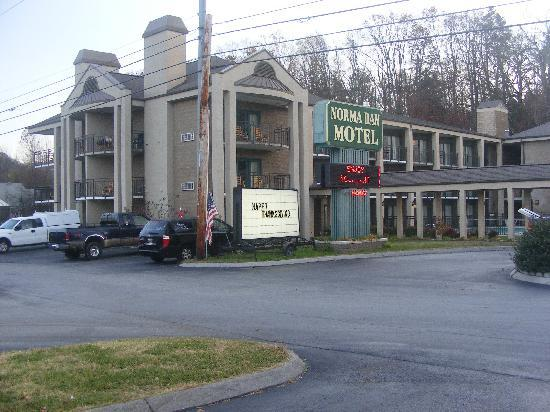 Norma Dan Motel: The Hotel