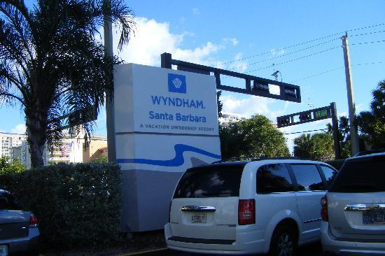 Wyndham Santa Barbara: Estacionamiento gratis
