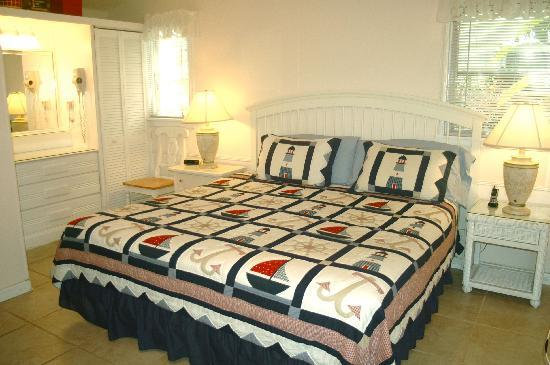 Cottages by the Ocean: King bed in studio cottage