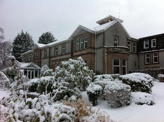 Rosslea Hall Country House Hotel: the hotel from the drive
