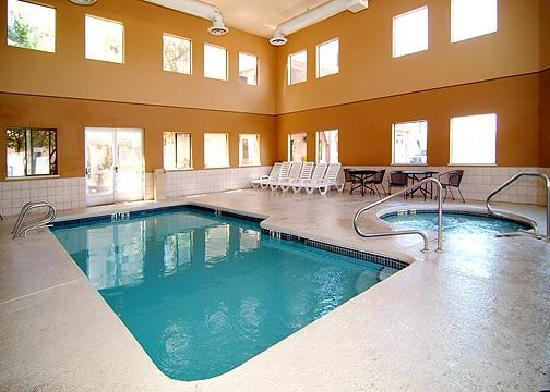 Econo Lodge: Indoor Heated Pool & Spa open year around.