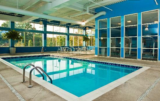 Four Points by Sheraton Columbus Ohio Airport: Swimming Pool