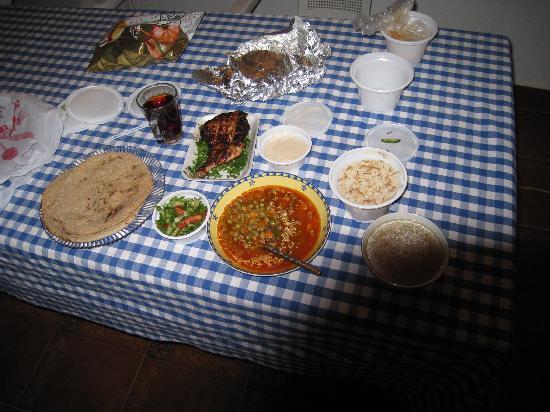 Rihana Guest House: mad til 25 kr