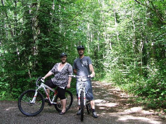 Hanmer Forest: 2 mountain bikers