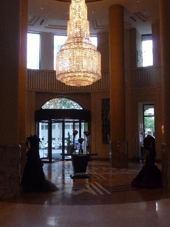 The Westin Valencia: entrada del hotel