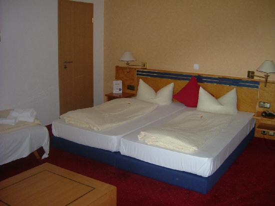 Flair Hotel Berggastof Adersberg: Unser Zimmer