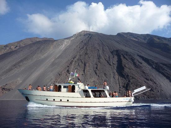 Salina Relax Boats: Ai piedi di Iddu!