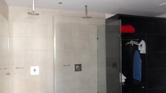 In Fashion Hotel & Spa: la ducha doble
