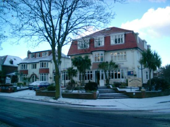 Ryndle Court Hotel: Hotel in the snow