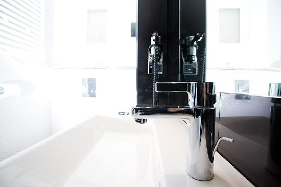 Hotel Diva Opéra : salle de bain design