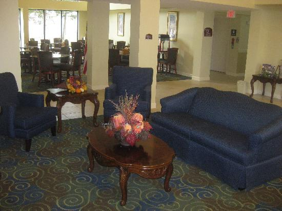 BEST WESTERN Yadkin Valley Inn & Suites: While In the Lobby