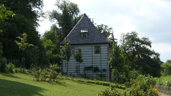 Goethes Gartenhaus: Das Gartenhaus von der Gartenseite