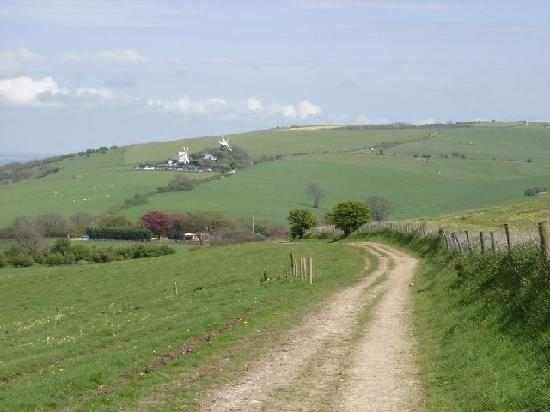 Dower Cottage : Jack and Jill Windmills on the South Downs way