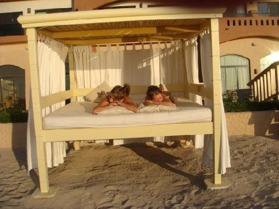 Penasco Del Sol Hotel: relaxing by the beach