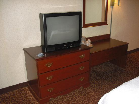 Hampton Inn Stroudsburg / Poconos: Standard definition tv