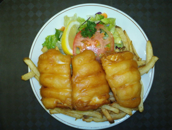 Smiles Seafood Cafe: our delecious 3 piece fish and chips