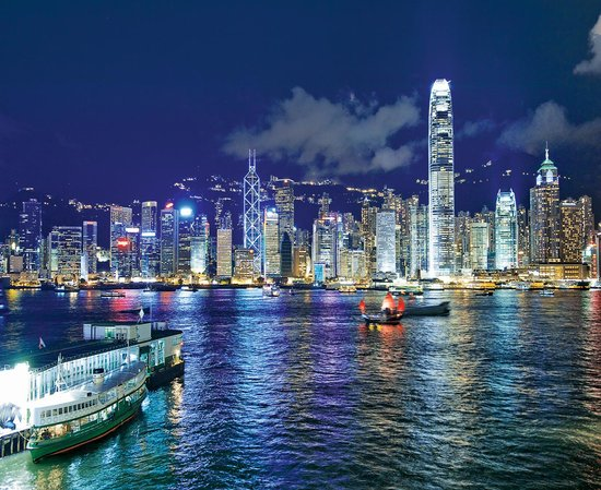 Just an hour from Hong Kong by highspeed ferry, Macau combines rich Chinese culture and vibrant