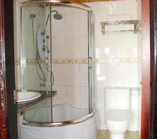 Sapa Global Hotel: Stand glass shower