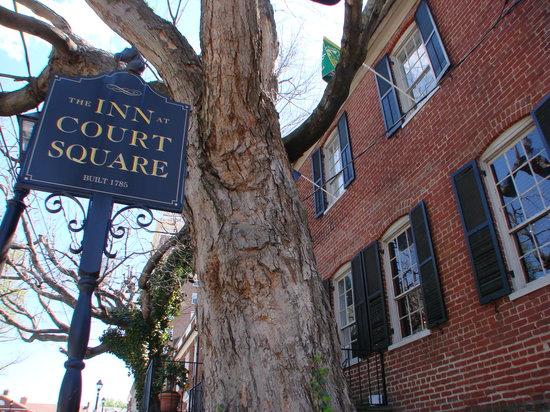 Inn at Court Square: http://www.innatcourtsquare.com/