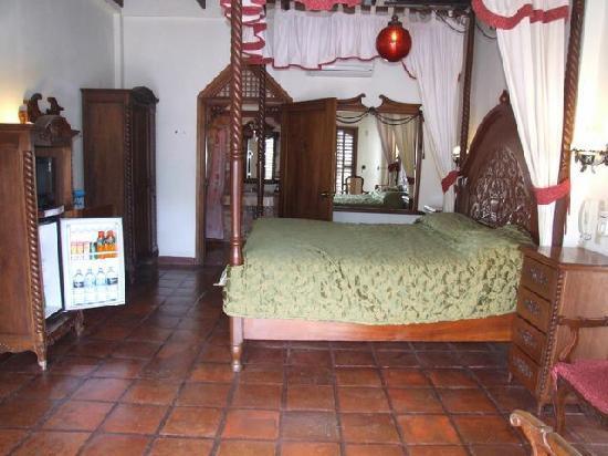 Tropicana Castle Resort: Tropicana Castle Suite Room
